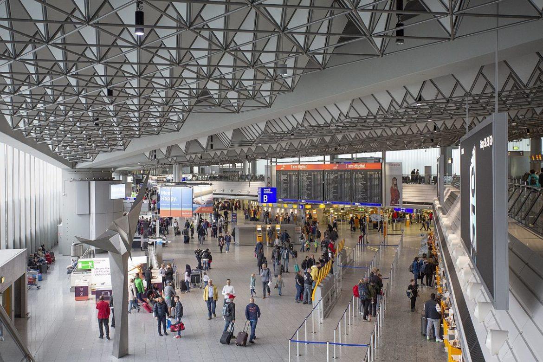 Flughafen Frankfurt Abflug Condor Terminal